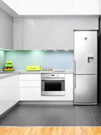 azulejos cocina: Vista de un interior de la cocina moderna Foto de archivo