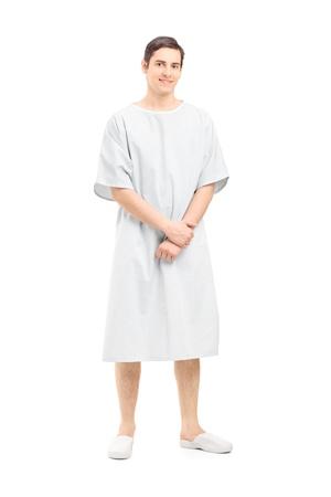 In voller Länge Portrait eines männlichen Patienten in einem Krankenhaus Kleid, isoliert auf weißem Hintergrund Standard-Bild - 18680624
