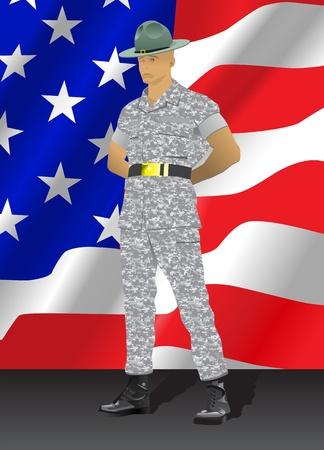 Instructor militar de pie en posición de desfile de descanso, con bandera de Estados Unidos en el fondo