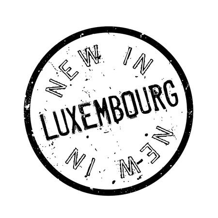 Nuevo en Luxemburgo sello de goma. Diseño de grunge con rasguños de polvo. Los efectos se pueden quitar fácilmente para un aspecto limpio y nítido. El color se cambia fácilmente. Ilustración de vector