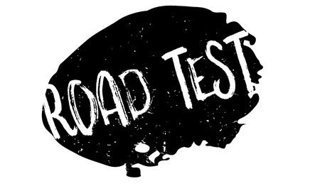 Road Test-Stempel. Grunge Design mit Staubkratzern. Effekte können einfach entfernt werden, um ein sauberes, klares Erscheinungsbild zu erhalten. Farbe wird leicht geändert. Vektorgrafik