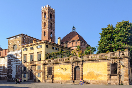 Piazza San Martino with the campanile and church of San Giovanni in the background - Lucca, Italy, 29 September 2011