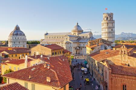 Kathedrale Duomo Und Der Schiefe Turm Fotografiert Von Oberhalb Der Dacher Vom Grand Hotel Duomo Pisa Toskana Italien Lizenzfreie Fotos Bilder Und Stock Fotografie Image 78247446