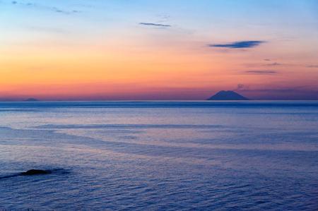 티레 니아 해와 황혼 섬 Lipari - Tropea, Calabria, Italy의 황혼