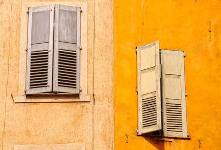 Windows and shutters during the siesta - Grasse, France Stock fotó