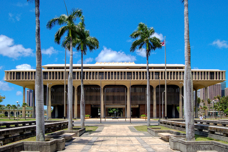 The Hawaii State Capitol is the official statehouse or capitol building of the U.S. state of Hawaii - Honolulu, USA Publikacyjne