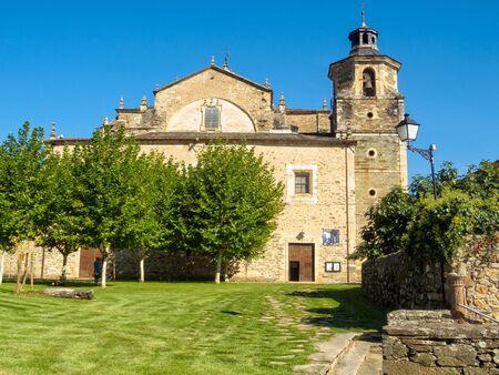 Collegiate Church of Saint Mary (La Colegiata de Santa Maria de Cluny) is an example of 16th century Bercian architecture - Villafrance del Bierzo, Castile and Leon, Spain Zdjęcie Seryjne