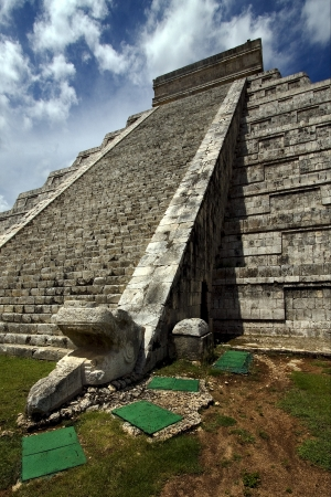 chichen itza ,the castle,a corner photo