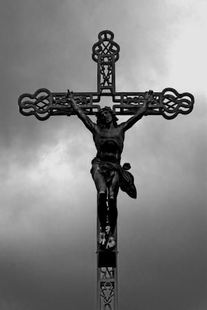 j�sus sur la croix, une statue de fer Banque d'images