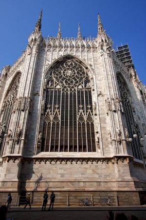 rose window: Guglia Italia chiesa rosone la parte anteriore del Duomo di Milano e colonna