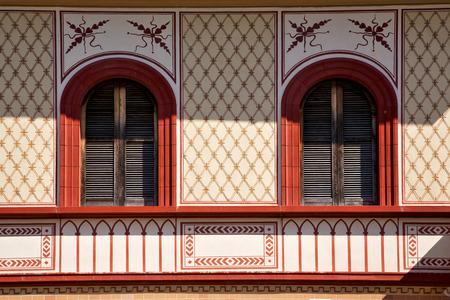 rose window: varese Abbiate rosone della chiesa Italia vecchia terrazza muro campanile della chiesa Archivio Fotografico