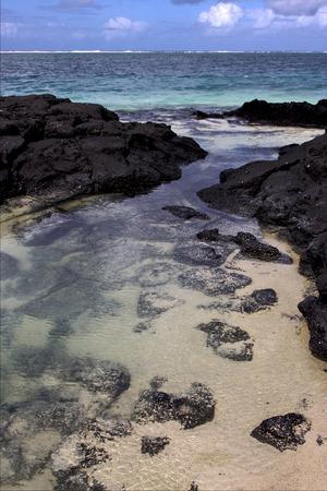 yegua: playa de roca y piedra en Belle Mare Mauricio