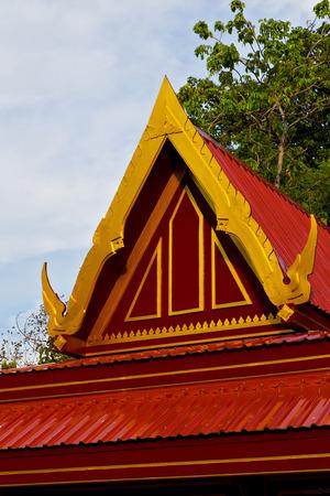 Bangkok dans le temple thailande couleurs crois�es abstraites wat toit palais ciel et les couleurs asie