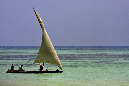 plage et bateau en Tanzanie Zanzibar
