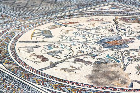 arte abstracto: mosaico de la azotea en la antigua ciudad marruecos áfrica y la historia de viajes Foto de archivo