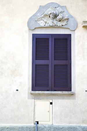 sunny day: gris ventana jerago palacios italia madera soleado d�a abstracto persiana veneciana en el ladrillo de hormig�n