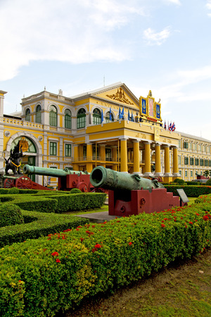 krung: cannon bangkok in thailand   architecture  garden and temple steet