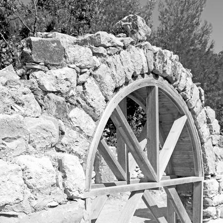 templo romano: asia olympos  greece and  roman    temple   in  myra  the    old column  stone  construction Foto de archivo
