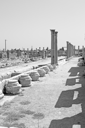 templo romano: stone     in  perge construction asia turkey and  roman temple Editorial