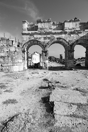 templo romano: pamukkale    old       construction in asia turkey the column  and the roman temple Editorial