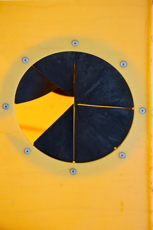 waste basket: Close up of circular box opening