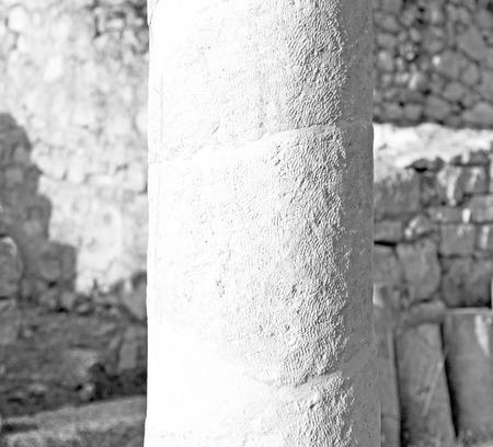 Roman temple: asia Grecia y un templo romano en la antigua Myra construcción de piedra columna
