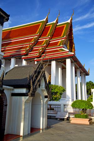krung: kho samui bangkok in thailand incision of the buddha gold    temple