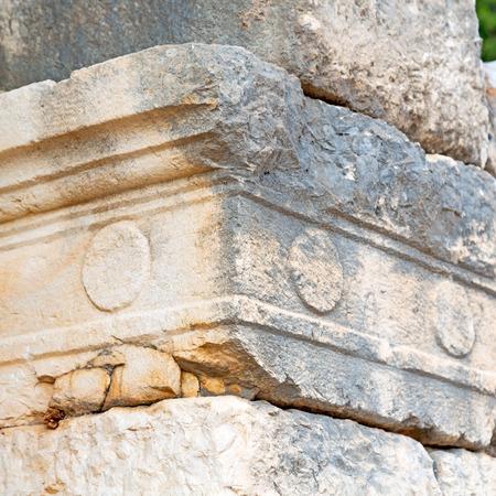 templo romano: asia  greece and  roman    temple   in  myra  the    old column  stone  construction Foto de archivo