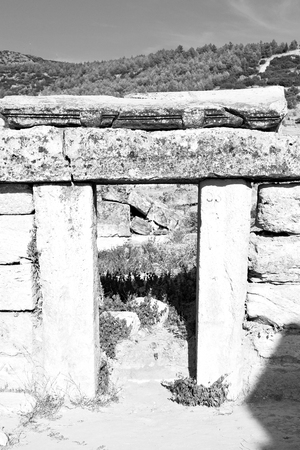 pamukkale    old       construction in asia turkey the column  and the roman temple Stock Photo
