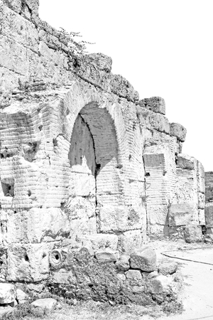 templo romano: asia  greece and  roman    temple   in  athens the    old column  stone  construction Foto de archivo