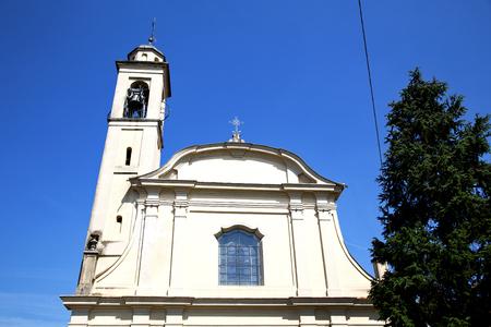 Italia Lombardia nella vecchia chiesa di mattoni chiuso muro torre Busto Arsizio rosa tegola finestra Archivio Fotografico