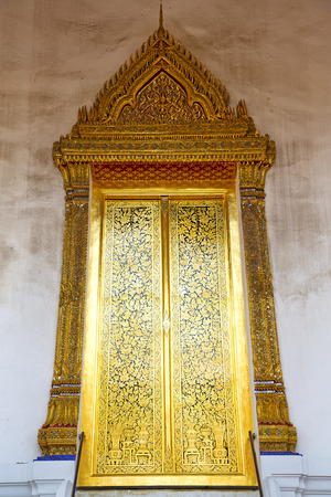 bangkok temple: thailand     and  asia   in  bangkok     temple abstract cross colors door wat  palaces   colors religion      mosaic