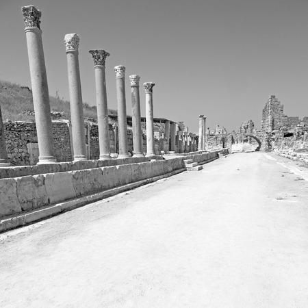 Roman temple: stone     in  perge construction asia turkey and  roman temple Foto de archivo