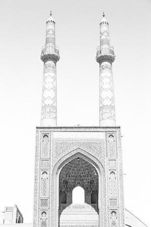 safavid: in iran  blur  islamic mausoleum old   architecture mosque  minaret near the  sky Stock Photo
