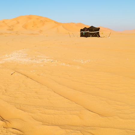 empty quarter and nomad tent of berber people in oman the old desert  Stock Photo