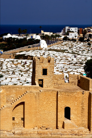panoramas monastir tunisia the old wall castle    slot  and cemetery