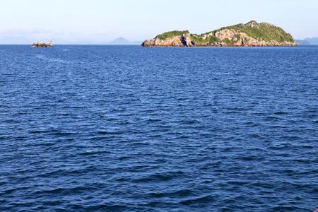 asia  myanmar  lomprayah  bay isle   rocks foam hill  in thailand and south china sea