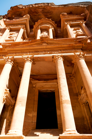 the antique site of petra in jordan one of the beautiful wonder of the world