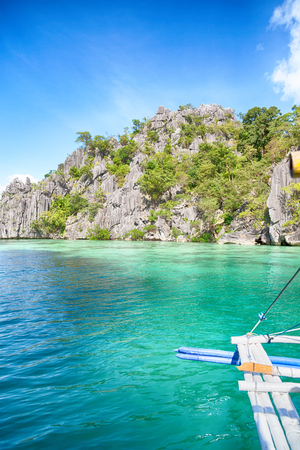 from a boat  in  philippines  snake island near el nido palawan beautiful panorama coastline sea and rock 版權商用圖片 - 97657834