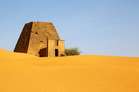 in africa sudan meroe the antique pyramids of the black pharaohs in the middle of the desert Banco de Imagens