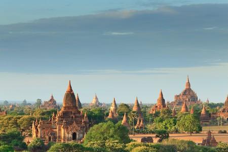 birma: De tempels van ging bij zons opgang, Bagan, Myanmar