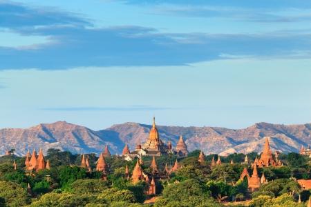 birma: De tempels van Bagan bij zonsopgang, Bagan, Myanmar Stockfoto