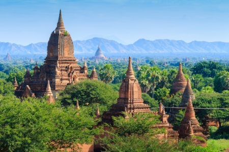 The Temples of bagan at sunrise, Bagan Pagan , Myanmar Imagens