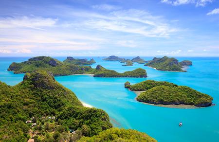 Vista de pájaro de parque nacional marino de Angthong, Koh Samui, Suratthani, Tailandia