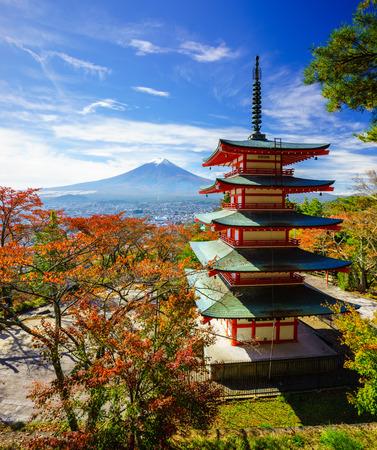 Monte Fuji con Chureito Pagoda en otoño, Fujiyoshida, Japón