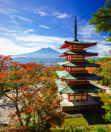 Mt. Fuji with Chureito Pagoda in autumn, Fujiyoshida, Japan Редакционное