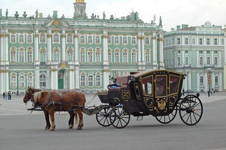 Bemanning met paarden op de Hermitage, St. Petersburg, Rusland