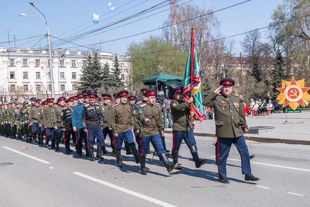 the cossacks: Tyumen, Rusia - 9 de mayo de 2009: Desfile del D�a de la Victoria en Tyumen. Cosacos marchan en desfile