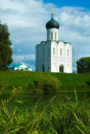 nerl river: Church of the Intercession on River Nerl. Inscribed in World Heritage UNESCO List Stock Photo