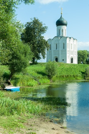 bogolyubovo: Church of the Intercession on the Nerl. Built in 12th century. Bogolyubovo, Vladimir region, Golden Ring of  Russia